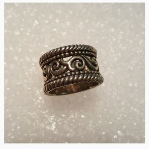 Jewelry - Sterling scroll ring
